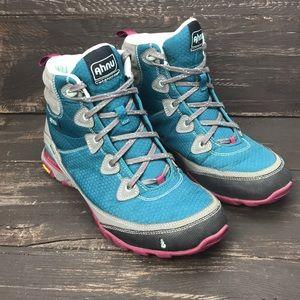 Ahnu Women's Sugarpine Hiking Boots Size 10